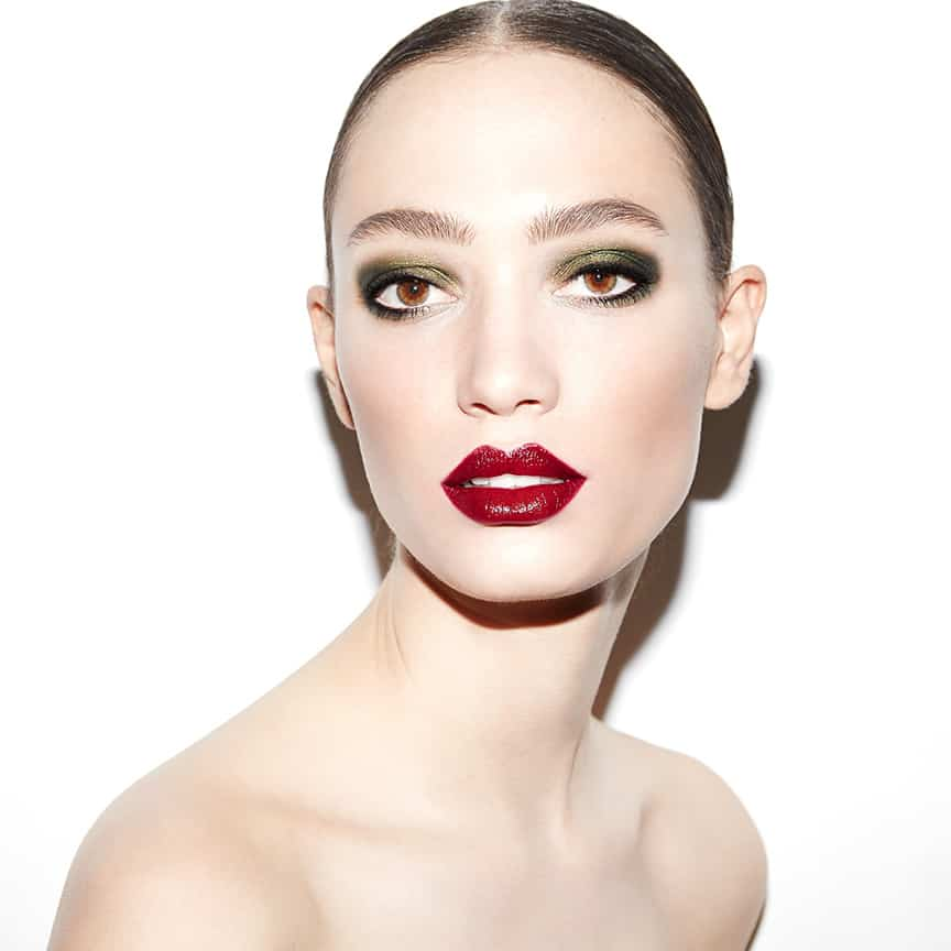 L'oreal Paris, Extravaganza, Robin Black, Beauty Is Boring, Sophie Koella, Bobby Eliot, green eye, red lip